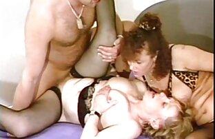 Aku menelan Kendra dan Maria mengisap bersetubuh dengan wanita hamil keringnya.