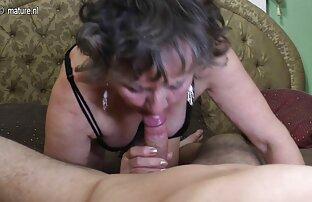 Sweet seks dengan wanita tua Blowjob untuk seorang gadis, kacamata