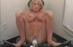 blonde mom Emma seks dengan ibu hamil Starr is fucked