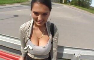 Seorang gadis sex dengan wanita hamil dengan kacamata mulai masturbasi sialan