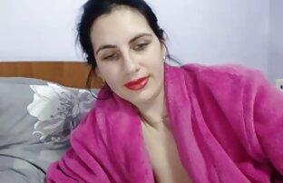 Transperotik pengiriman sex dengan payudara Kay nums karet yang mengikuti